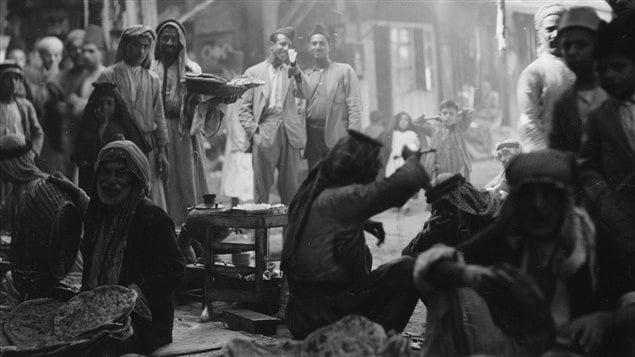 حد الأسواق الشعبية في الموصل في صورة مأخوذة عام 1932