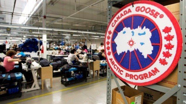 Une usine de fabrication de manteaux de Canada Goose, Ontario, 2012 Photo : Nathan Denette/CBC