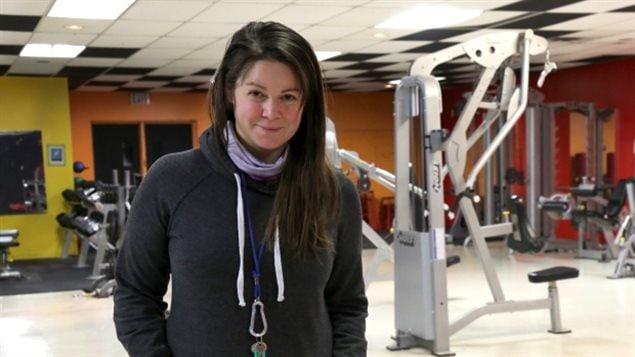 MacDonnell est actuellement en congé de son poste d'enseignante alors qu'elle occupe un emploi à la Commission scolaire Katavik pendant plusieurs mois, en gérant un budget d'environ 500 000 $ pour promouvoir une vie saine dans les 14 communautés du Nunavik. (Marika Wheeler/CBC)