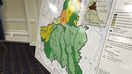 Chronologie :Bassin Peel du Yukon, le débat en dates