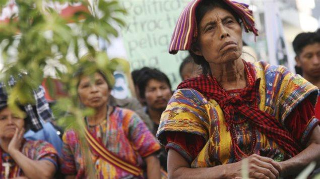 Indígenas mayas