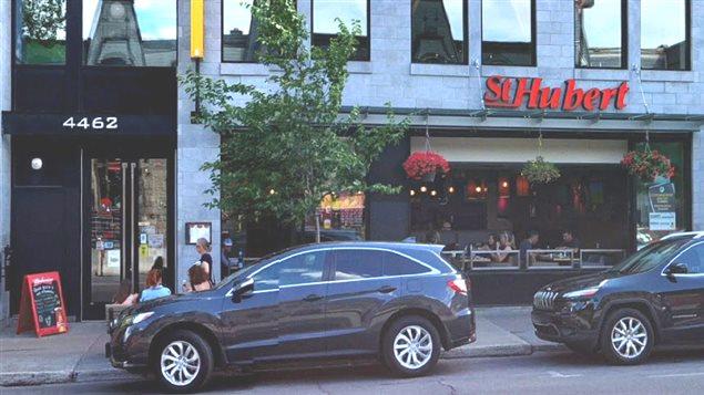 Le fameux restaurant St-Hubert sur la rue St-Denis.Photo Credit: Google