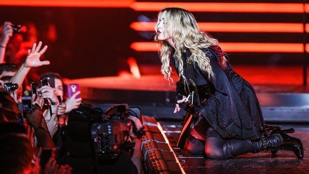 Madonna lors d'un spectacle à Montréal