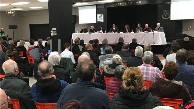 L'assemblée citoyenne du 29 mars à la salle communautaire de Saint-Apollinaire.