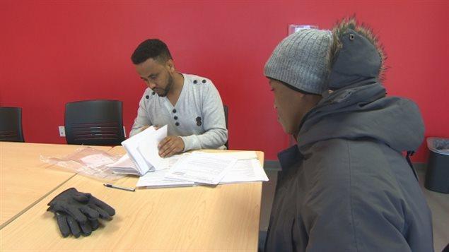C mo son los primeros d as de los solicitantes de refugio en canad y la ayuda que reciben - Oficina de asilo y refugio ...