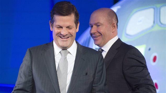 Le président exécutif du conseil d'administration de Bombardier, Pierre Beaudoin (à gauche), en compagnie du président-directeur général Alain Bellemare (à droite).