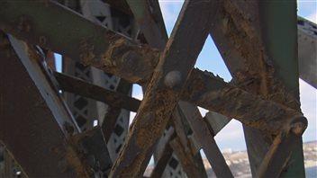 La rouille sur le pont de Quénec inquiète des experts en rouille