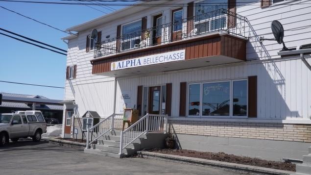 L'organisme Alpha Bellechasse offre des services de francisations et d'alphabétisation en plus d'accompagner les nouveaux arrivants dans leur démarche d'immigration.