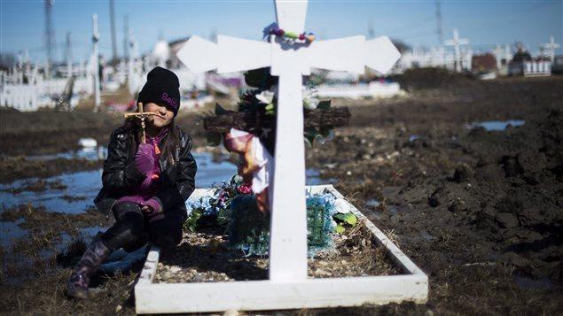 El nivel de suicidios entre los indígenas canadienses registra niveles más elevados que el resto de la población.