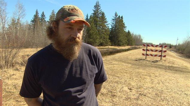 El granjero canadiense Rob Jirasek, hijo de inmigrantes, se queja de la llegada de refugiados por la frontera entre Manitoba y Minnesota.