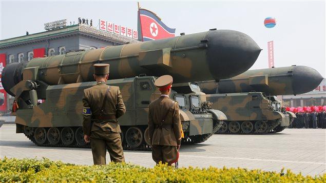 La Corée du Nord a fait une démonstration de force lors de son défilé militaire de samedi à Pyongyang, 15 avril 2017.