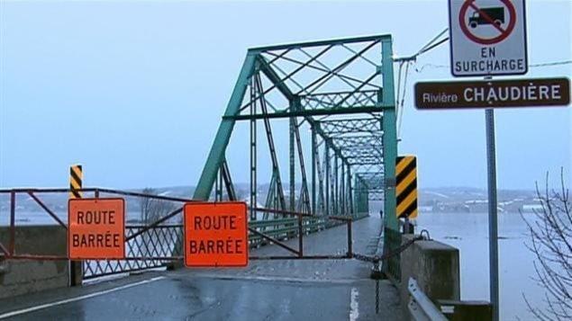 La rivière Chaudière fait partie des masses d'eau surveillées par les autorités. (Radio-Canada)