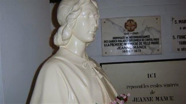 Busto de Jeanne Mance en la Cripta de las religiosas Hospitalarias de San José, Montreal.