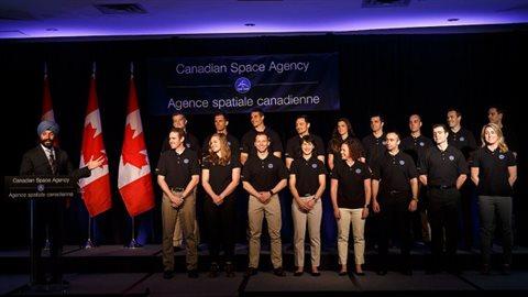 Le ministre fédéral de l'Innovation, Navdeep Bains, a dévoilé les noms des 17 aspirants astronautes lundi matin, à Toronto.PHOTO COLE BURSTON, LA PRESSE CANADIENNE