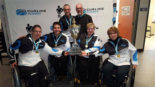 Benoit Lessard, Carl Marquis, Johanne Mathieu, Christine Lavallée et l'entraîneur Germain Tremblay