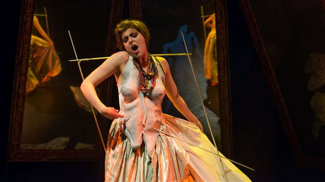 Spectacle Yo soy la desintegración sur la vie de Frida Kahlo de la compagnie lyrique de Montréal Chants libres   Stéphanie Lessard, soprano