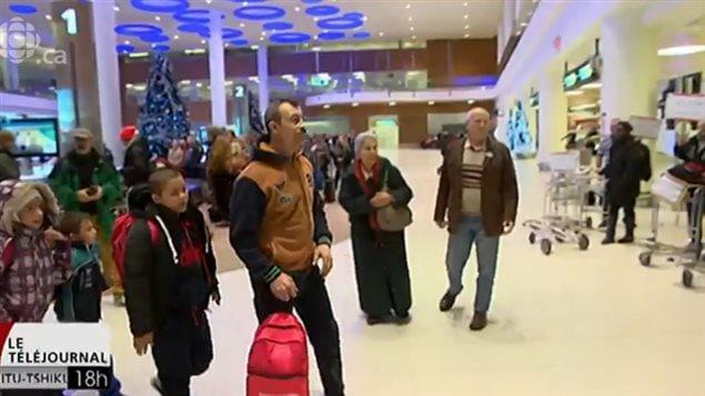 الأسرة عند وصولها إلى كندا