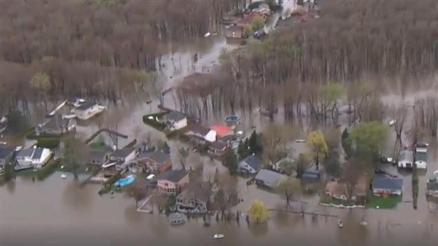 Over 400 homes have been evacuated in Gatineau.