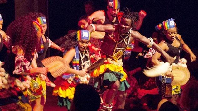 Kocasalle Dioubate, musicien et danseur d'origine guinéenne.