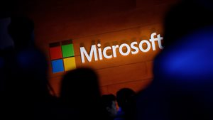 Microsoft a annoncé notamment qu'elle doublera, d'ici deux ans, la taille de la jeune entreprise montréalaise Maluuba pour accélérer la conception de logiciels permettant aux ordinateurs de lire, écrire et tenir des conversations de manière naturelle, comme des humains.