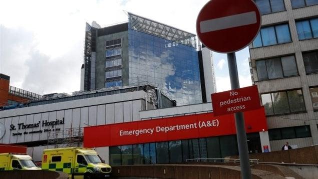 """星期五""""索要赎金""""电脑病毒让英国医院系统瘫痪"""