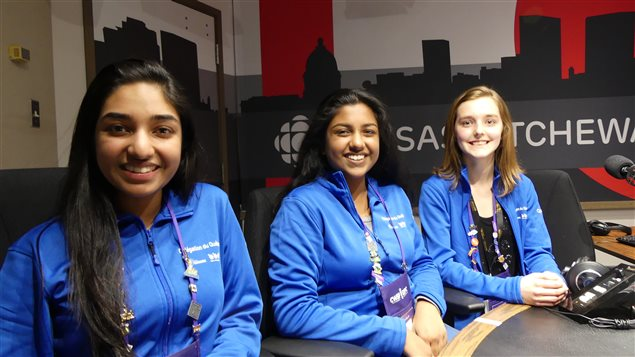 Thanusha Balasubramaniyam, Taushia Siddique et Sandrine Leblanc-Savignac