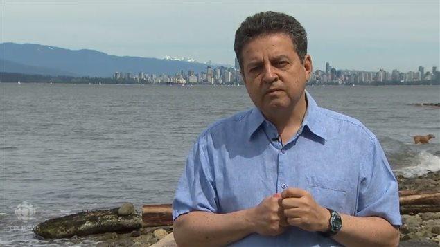 UBC大学海洋动物研究所主任Andrew Trites
