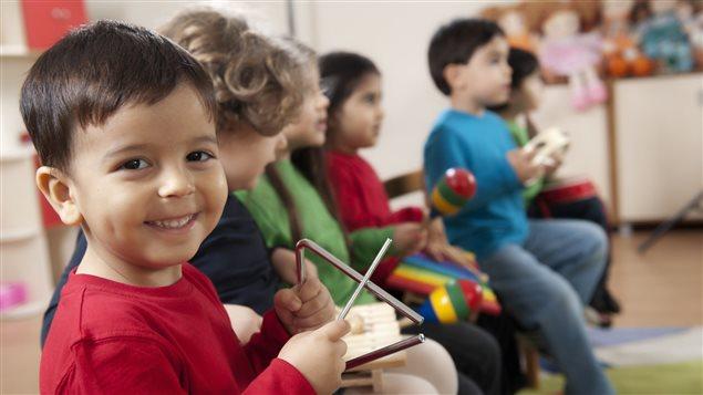 مجموعة من الأطفال في دار حضائة