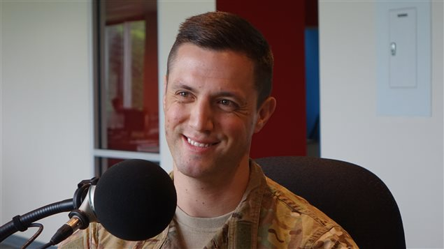 L'officier d'affaires publiques au ministère de la Défense nationale, Major Alexandre Cadieux.