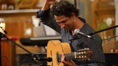 Le guitariste Itamar Erez