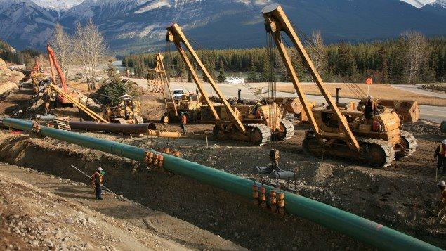 Construcción de un oleoducto en Canadá.