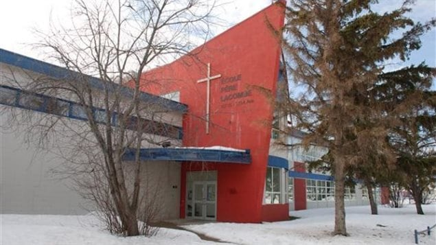 L'école Père-Lacombe, l'hiver.