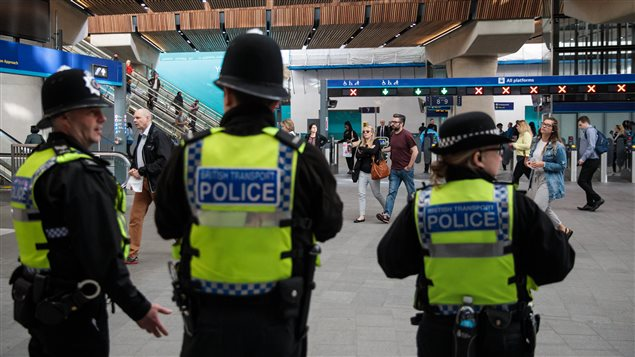 La policía en estado de alerta en Londres depués del atentado del sábado 2 de junio.