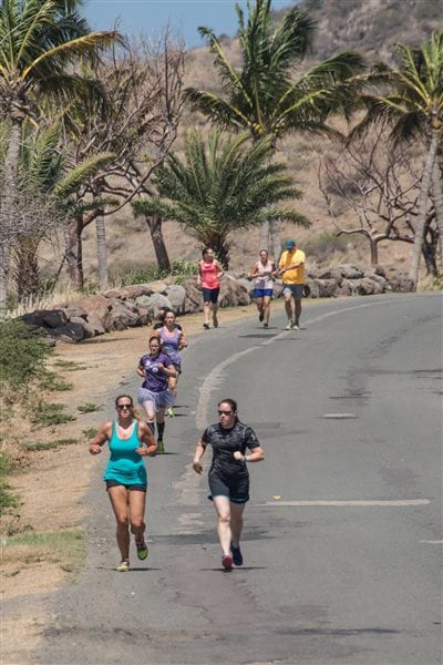 Crewmembers of Her Majesty's Canadian Ship Glace Bay participate in the Sole Sister Women's Race during Exercise TRADEWINDS 15 in St Kitts and Nevis on June 6, 2015.