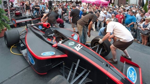 Montreal's Crescent Street with its several bars and restaurants, is closed to traffic on race week and always packed. Several F1 related demos and contests take place in the heady atmosphere surrounding the Canadian Grand Prix