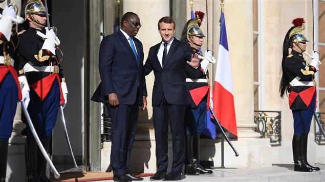 Macky Sall, presidente de Senegal y Emmanuel Macron, presidente de Francia este lunes 12 de junio en París.