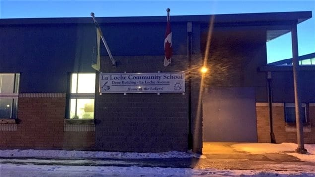 L'École communautaire de La Loche, en Saskatchewan, a été le théâtre d'une fusillade mortelle le 22 janvier 2016.