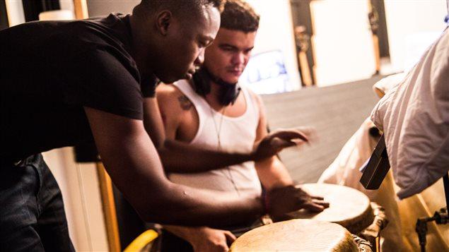 Músicos colombianos durante la grabación de Pensamiento en Bogotá, Colombia.