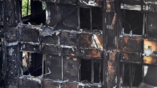 La destrucción es total y los peritos temen un derrumbe.