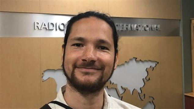 El músico chileno-canadiense Daniel Emden