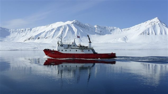 Seventy-five per cent of the ships transiting in the Arctic carry and use heavy fuel oils (HFO), a thick viscous residual fuel that produces high amounts of soot, particulate matter and black carbon