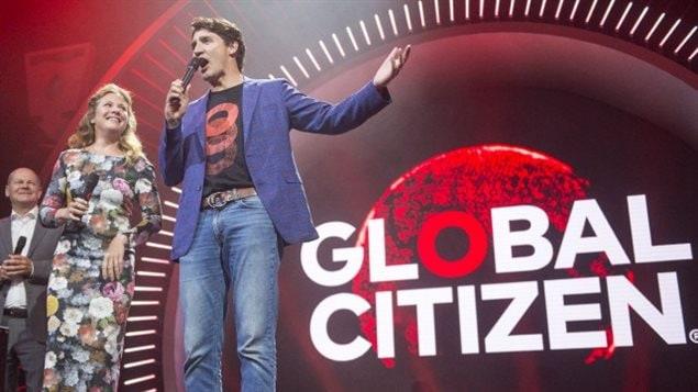 Justin Trudeau a été appelé à tendre la main aux manifestants à l'occasion de l'événement «Global Citizen», à Hambourg.LA PRESSE CANADIENNE, RYAN REMIORZ