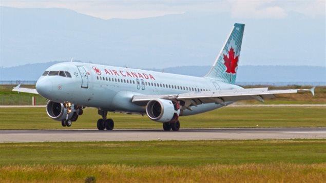 طائرة تابعة لخطوط الجو الكندية إير كندا