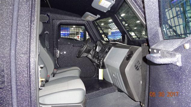 L'intérieur d'un véhicule de transport de troupe blindé. Une compagnie canadienne exporte de ce type de véhicules en Azerbaïdjan, un pays dont le bilan en matière de respect des droits de la personne est fortement critiqué.