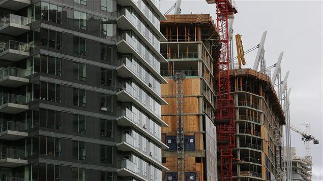 Los condominios no son alcanzados por la tasa a compradores extranjeros.