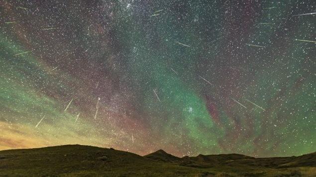 去年8月11日到12日北部天空的流星雨美景