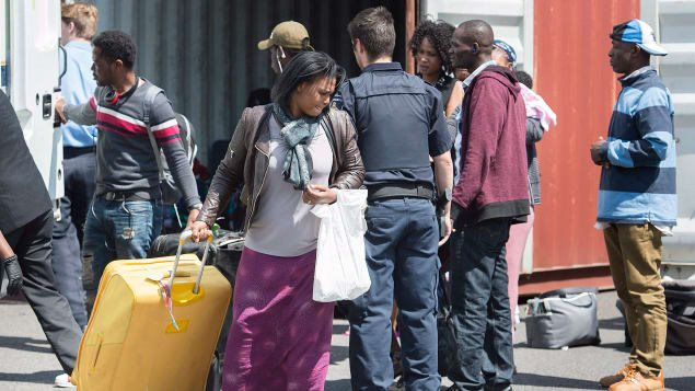 Solicitantes de asilo ingresando de Estados Unidos a Canadá