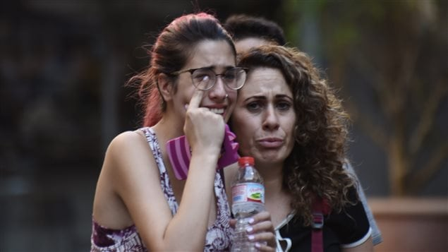 Moving Moment Mourning Barcelona Dwellers Come Together To Sing Following Attack