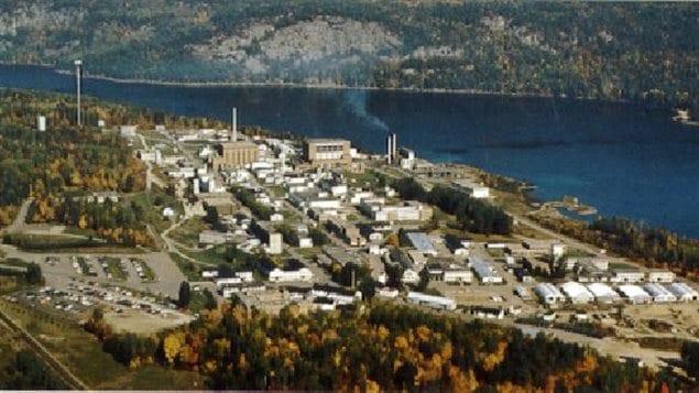 Les Laboratoires nucléaires de Chalk River, près du futur site d'enfouissement, constituent aujourd'hui le plus grand établissement du Canada entièrement consacré à la recherche sur les utilisations pacifiques de l'énergie atomique.