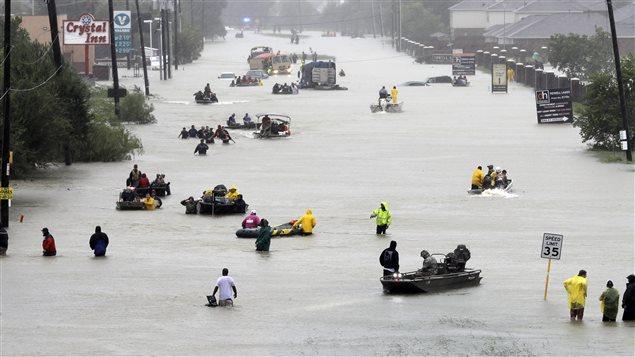 Scène de désolation dans la ville de Houston il y a quelques jours.